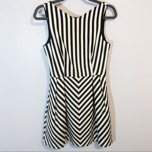 Zara black white sleeveless pleated dress size sm